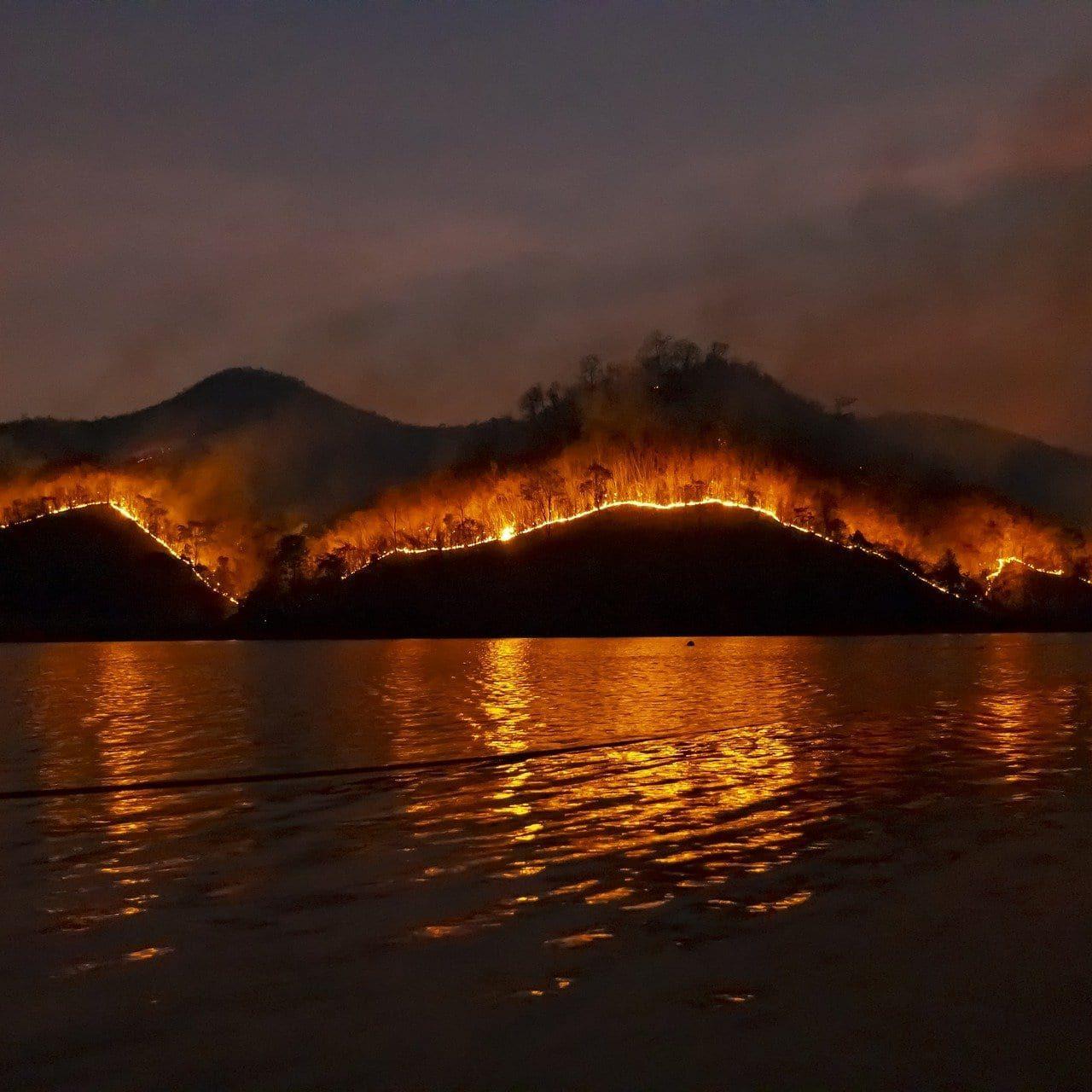 wildfire-4755030_1920
